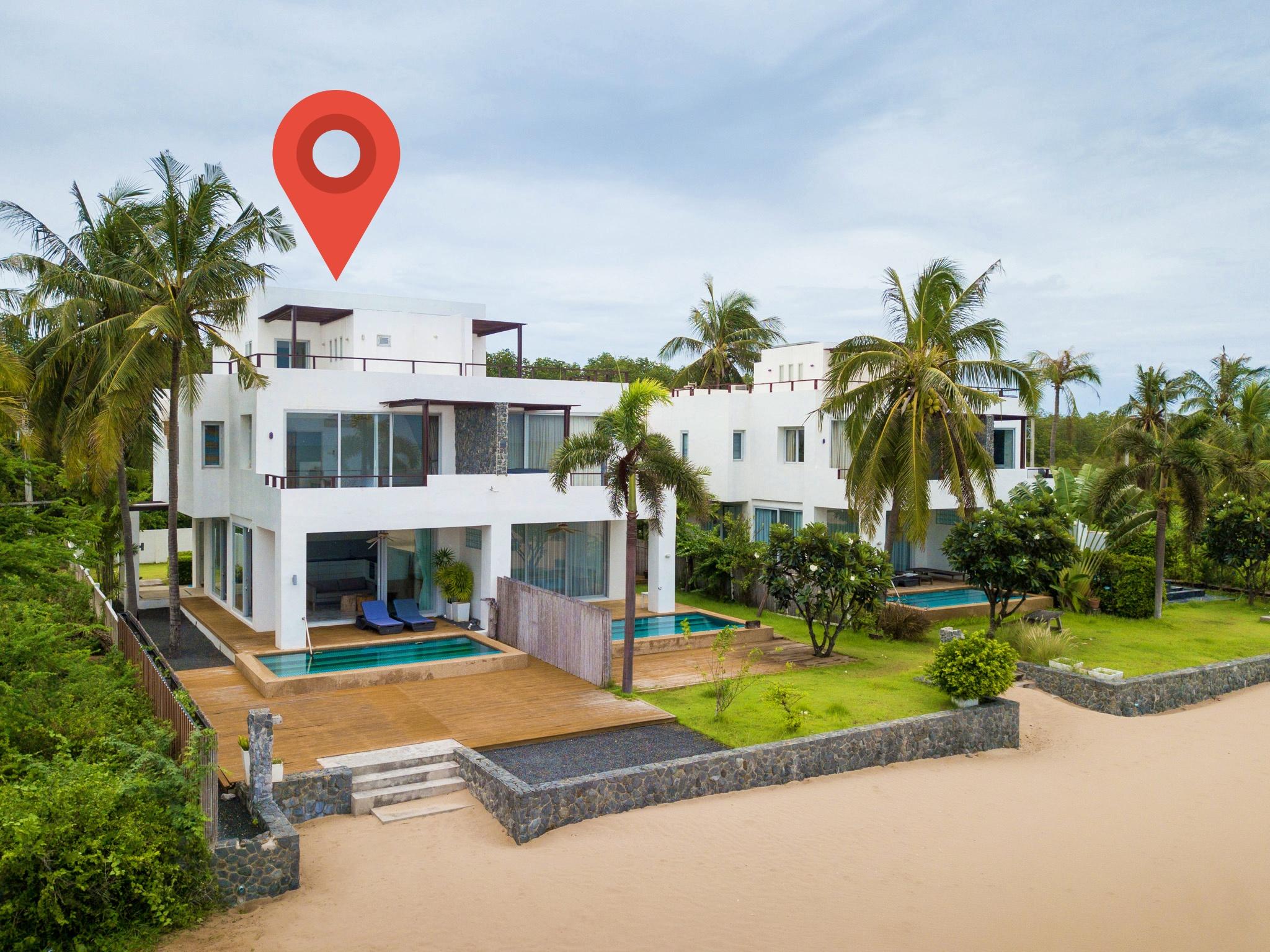 ขายบ้านโมเดิร์นติดทะเลกุยบุรี Beachfront Pool Villa For Sale @Kuiburi